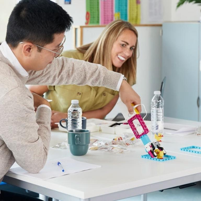 Treinamento de Professores para LEGO Education